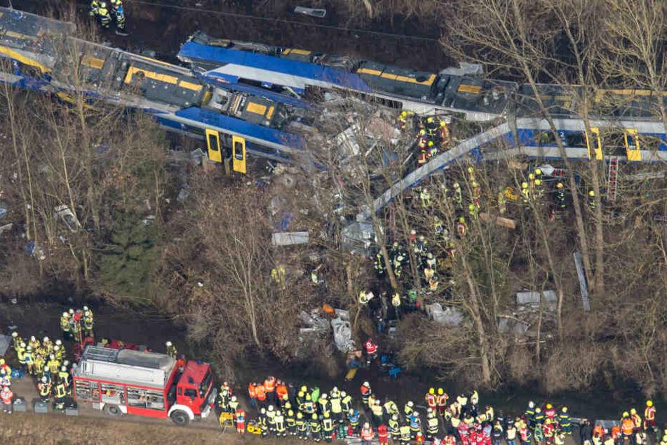 Bei dem schweren Zugunglück 2016 starben 12 Menschen. Ein Fahrdienstleiter hatte die Signale falsch eingestellt.