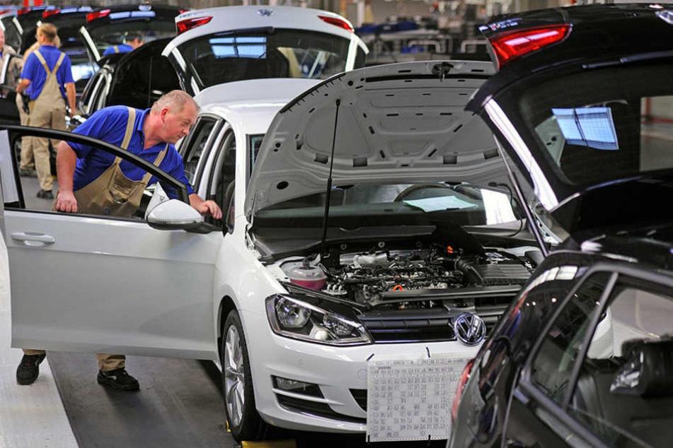 Die Golf-Montage bei VW in Zwickau. Dessen Digitalisierung ist Thema des Automobilkongresses.