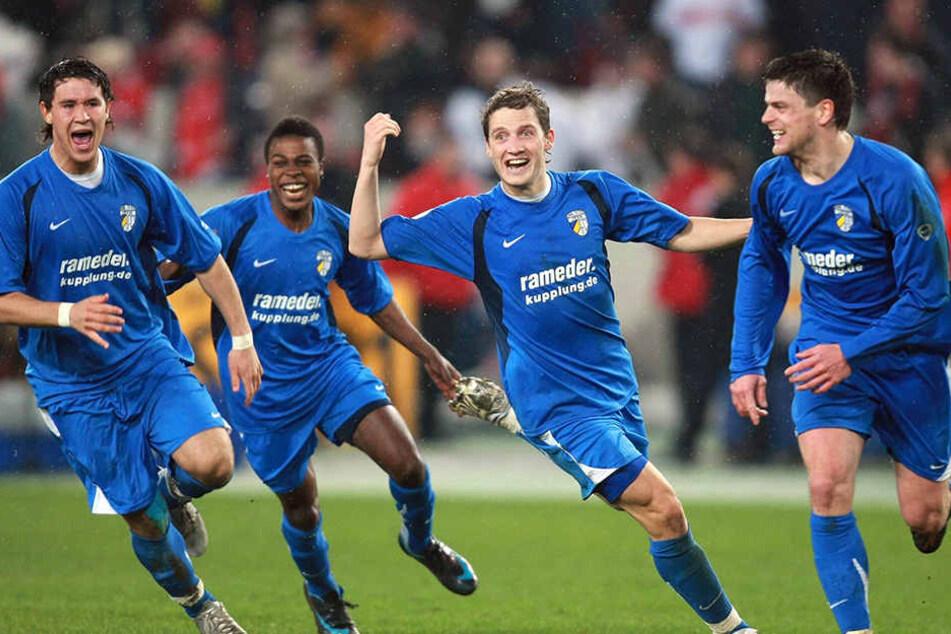 Schlussjubel in Jena: Dank Torsten Ziegners Nervenstärke zogen die Thüringer 2008 ins Halbfinale. Kann er jetzt als Coach nachlegen.