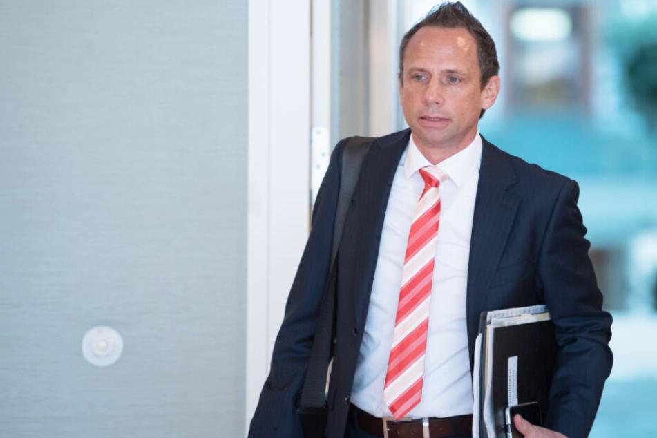 Umweltminister Thorsten Glauber will mit gutem Beispiel vorangehen. (Archivbild)