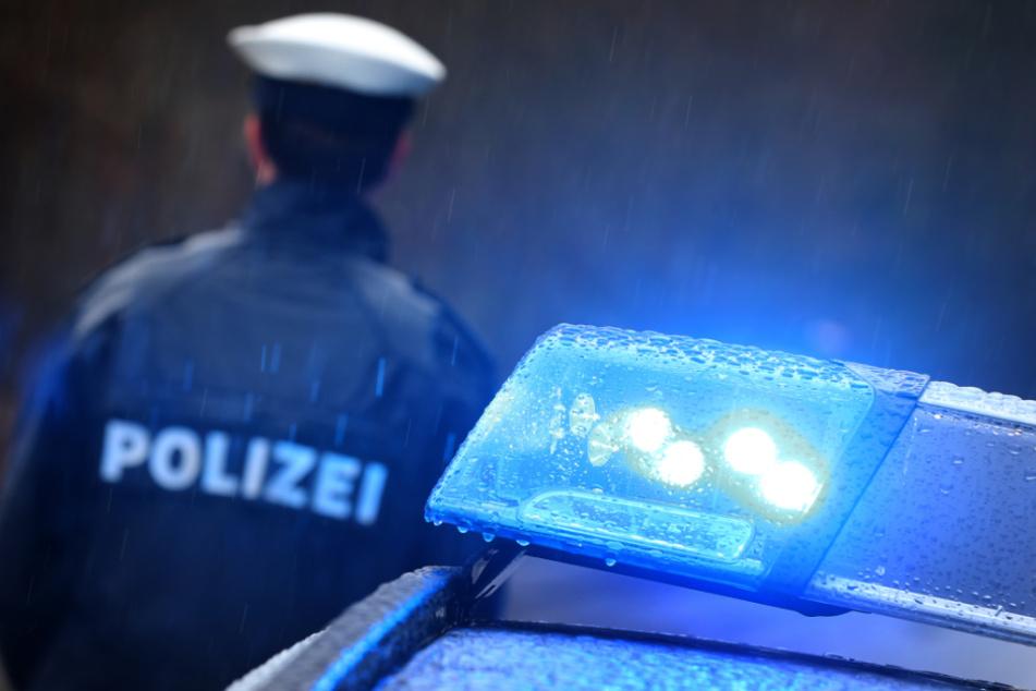 Die Polizei konnte den Betrüger in Niedersachsen festnehmen. (Symbolbild)