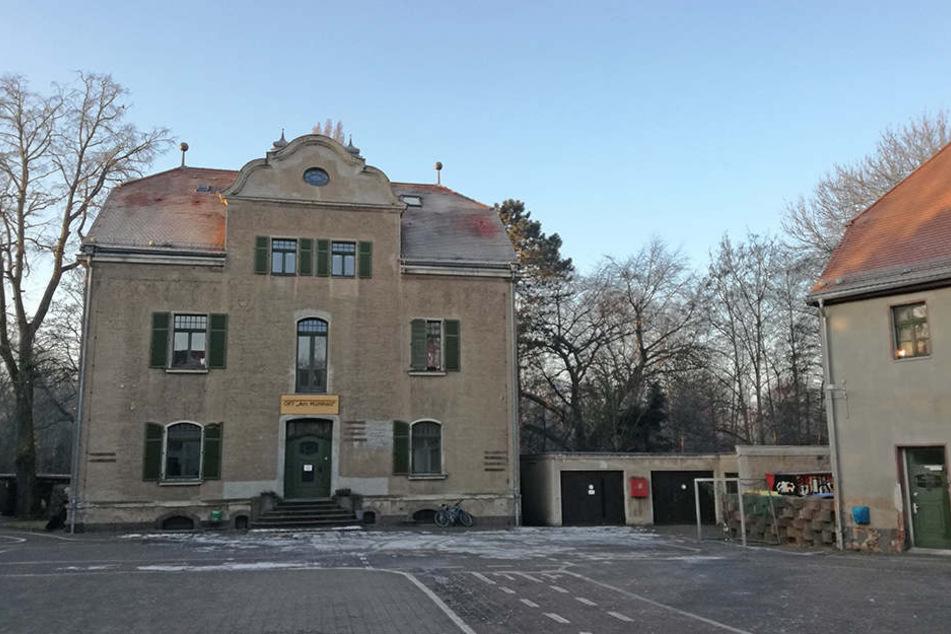Auch die dreistöckige Villa des Mühlholz-Ensembles soll bis Ende des Jahres saniert werden.