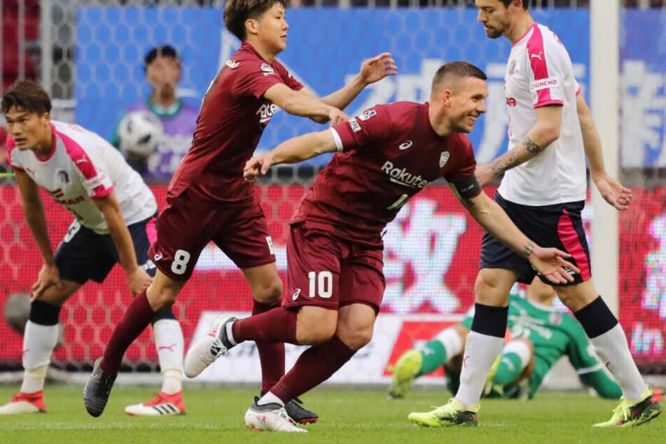 Zwei Jahre spielt Weltmeister Lukas Podolski in Fernost. Mit Vissel Kobe ist ihm in der erste japanischen Liga jedoch noch kein solcher Treffer gelungen.