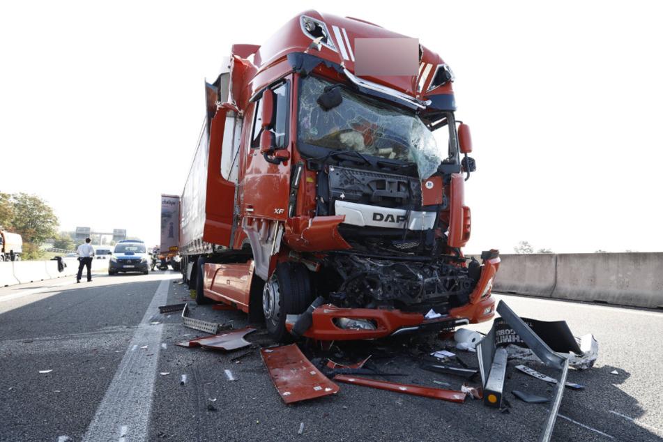 A6 nach Lkw-Crash voll gesperrt