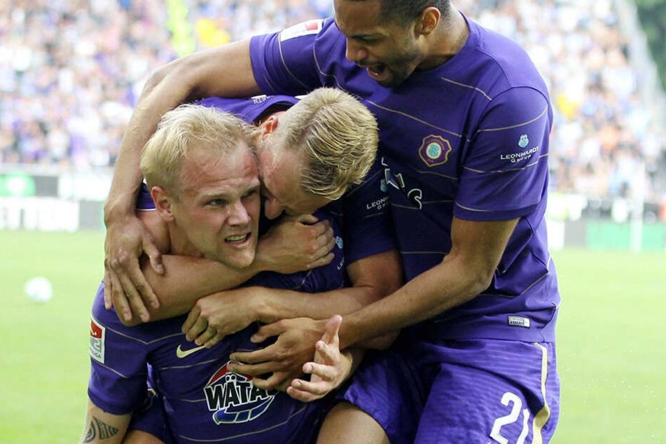 Sein größer Moment in Aue: Mit drei Toren in der Relegation gegen Karlsruhe schoss Sören Bertram den FCE zum Klassenerhalt.