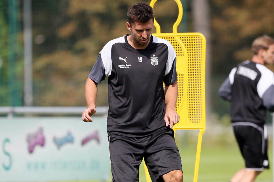Davy Frick beim Training. Der Zwickauer wird in der neuen Saison wohl die Position des linken Innenverteidigers einnehmen.