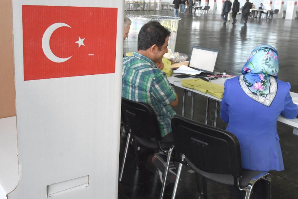Stimmabgabe beginnt: 80.000 Türken im Norden dürfen jetzt wählen!