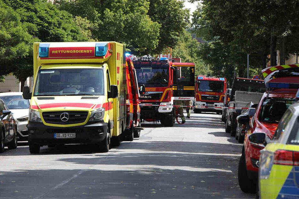 Feuerwehr, Krankenwagen und Polizei vor Ort.