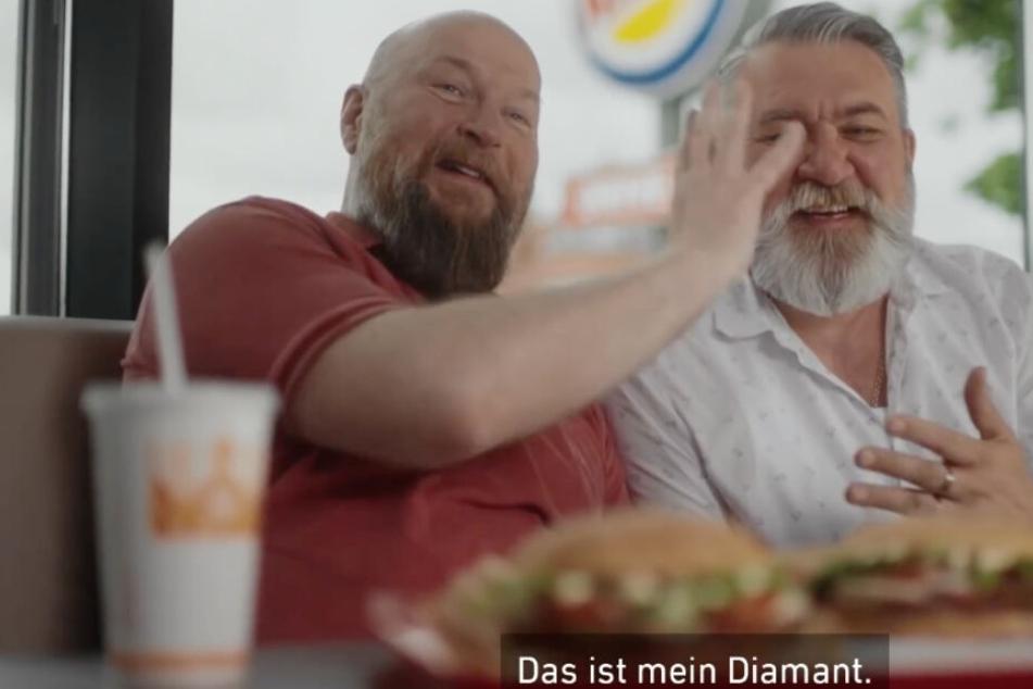Dima und Alvar spielen die Hauptrollen im emotionalen Video von Burger King.