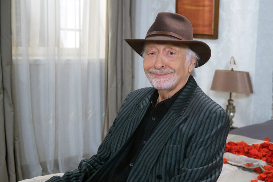 "Rote Rosen: ""Rote Rosen"" enthüllt großen Gastauftritt: Karl Dall als Rockstar"