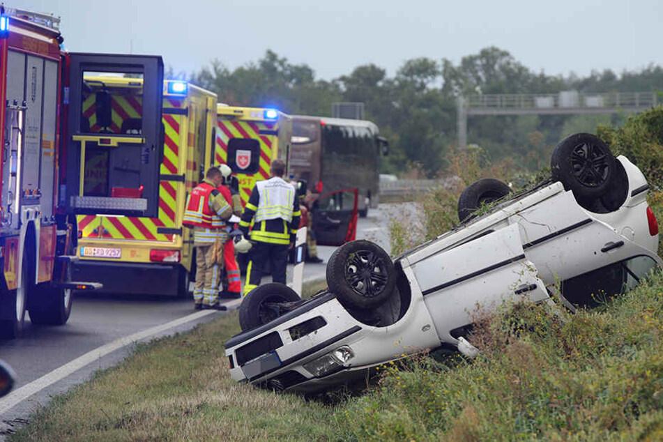 Alle Insassen des VW Polo konnten sich selbst befreien.