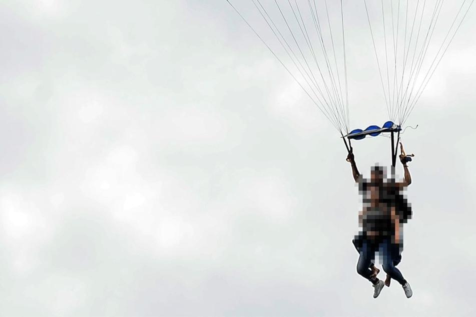 Hat sich der Fallschirm überhaupt geöffnet? Die Umstände sind derzeit unklar (Symbolbild).