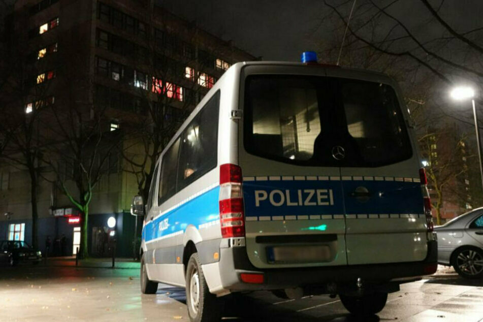 27-Jähriger lag tot in seiner Wohnung: Polizei vermutet Verbrechen