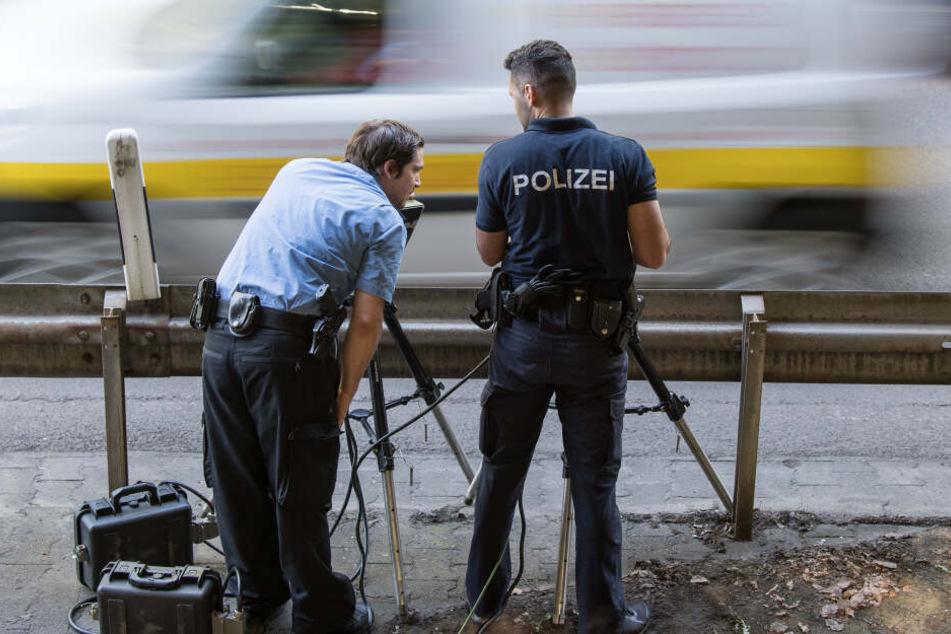 Die Polizei sagt den Rasern am Mittwoch den Kampf an. (Symbolbild)