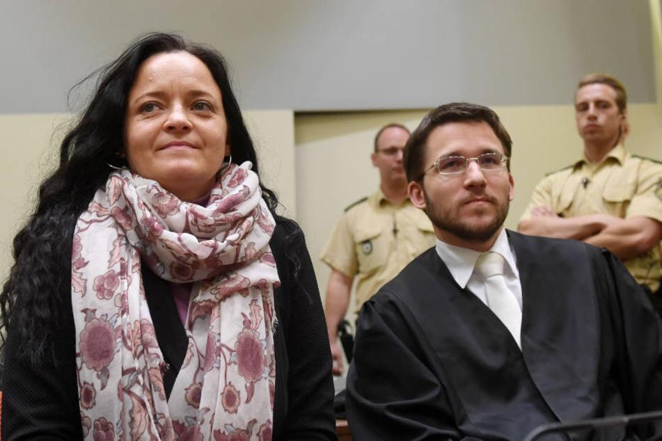 Angeklagt im NSU-Prozess vor dem Oberlandesgericht München: Beate Zschäpe (links).