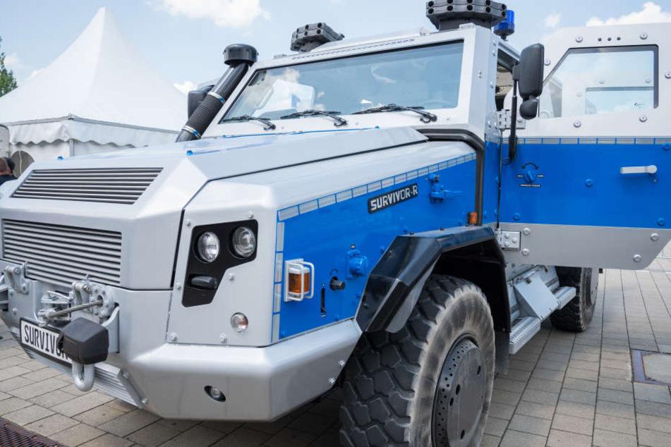 Am Freitag erhält die sächsische Polizei den ersten von zwei bestellten Panzerwagen. (Archivbild)