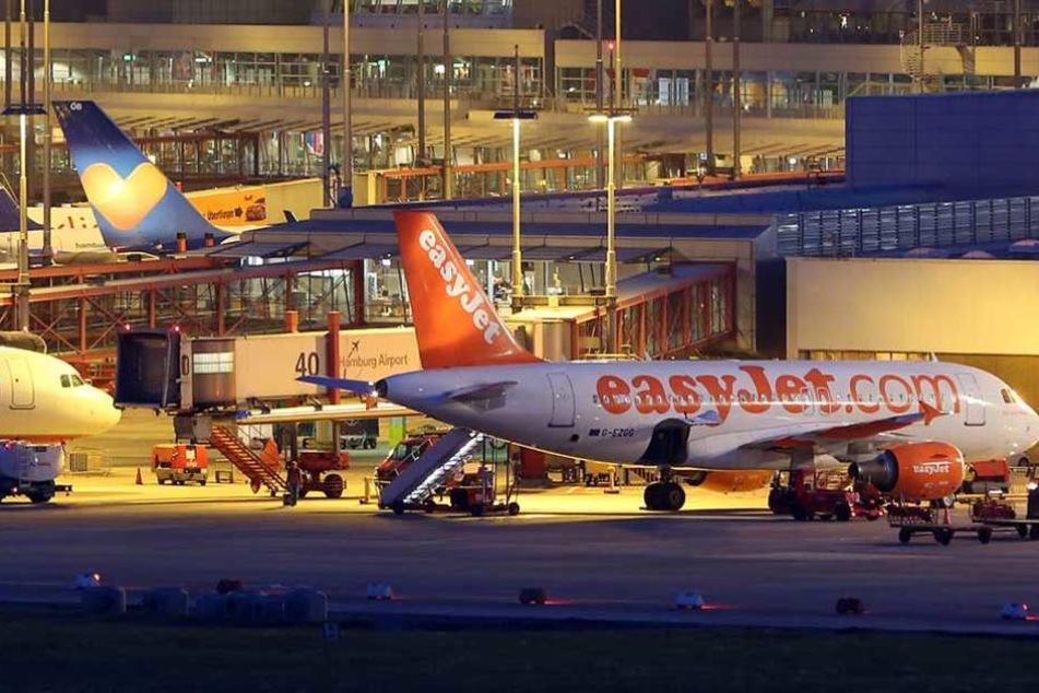 Der Flughafen in Hamburg wurde am Donnerstagabend gesperrt (Archivbild).