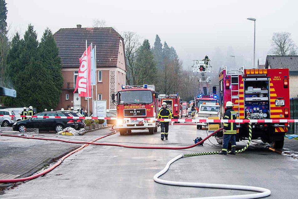 Mit Großaufgebot war die Feuerwehr vor Ort.
