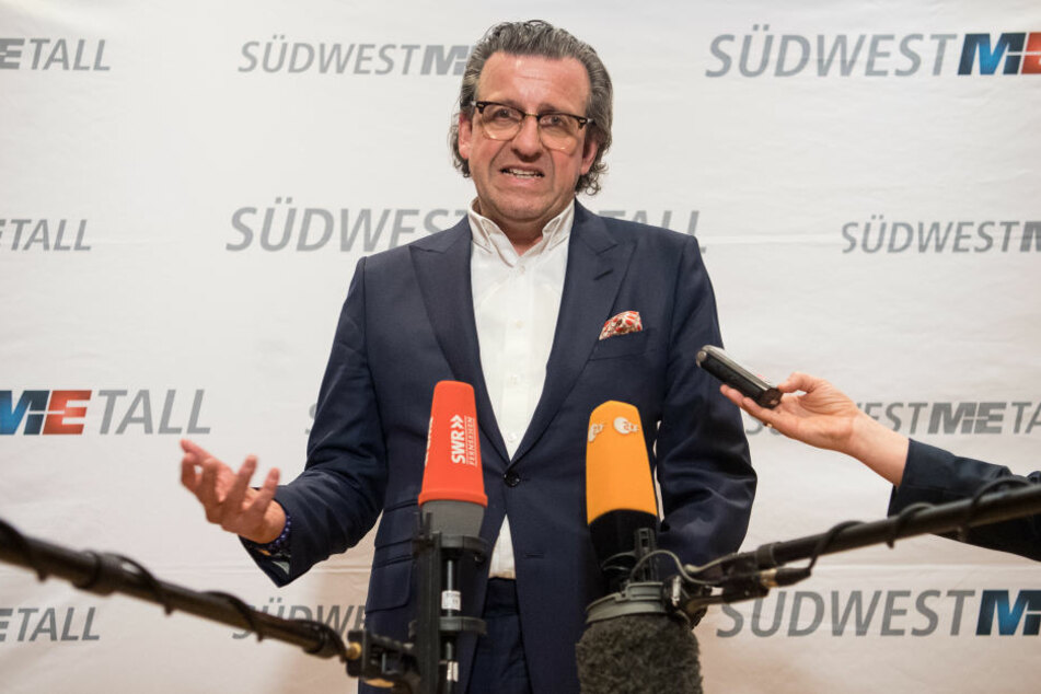"""Stefan Wolf, Vorsitzender des Arbeitgeberverbandes Südwestmetall, spricht von """"maßlosen Forderungen"""" (Archivbild)"""