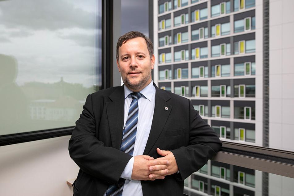 Martin Richter (46) ist Chef des Dresdner Studentenwerks. Er ist froh, dass die knapp 500 Wohnungen in den zwei Türmen wieder bewohnt sind.