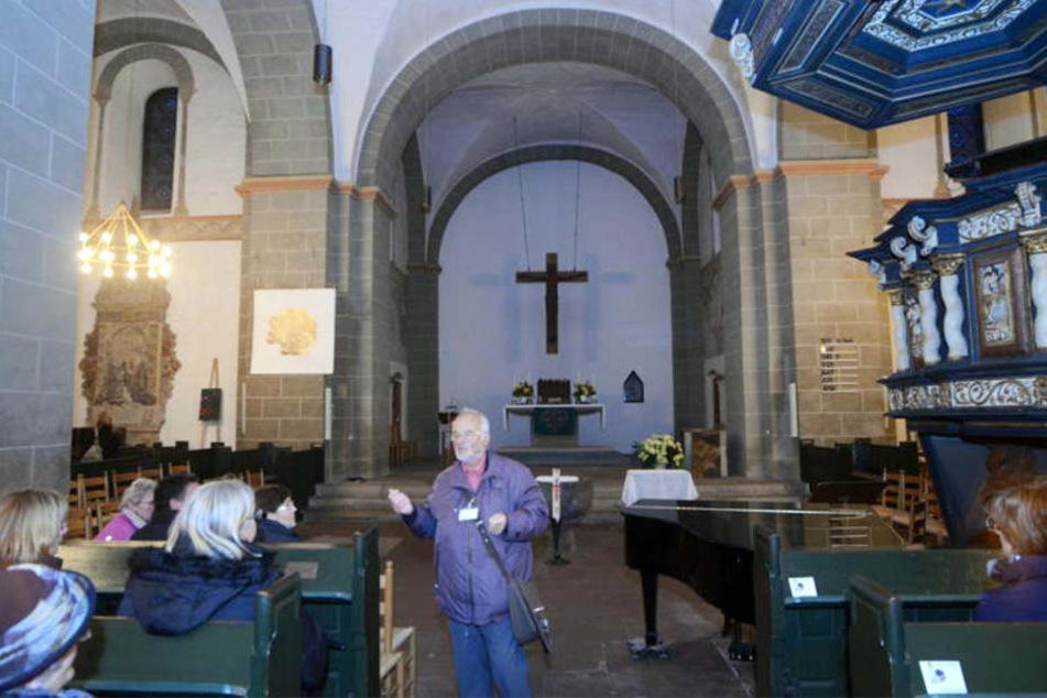 Man braucht schon einen starken Magen, um den Gestank in der St.-Andreas-Kirche zu ertragen.