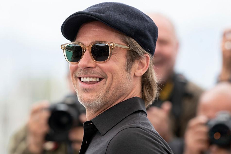 Fehlt ihm da tatsächlich ein Zahn? Brad Pitt nimmt's scheinbar im Alter gelassen.