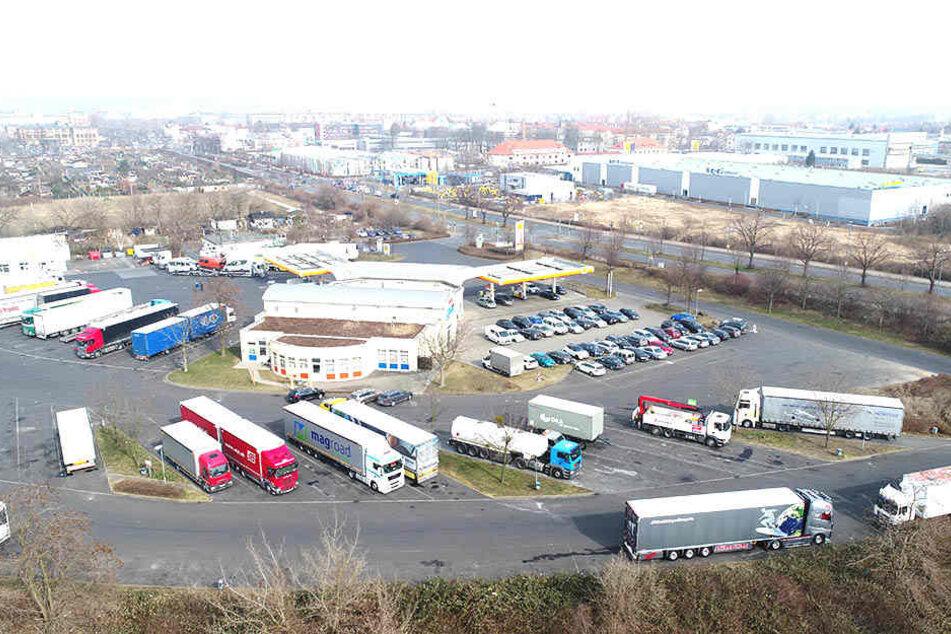 Der Übigauer Autohof wurde Ziel von Scheinwerferdieben.