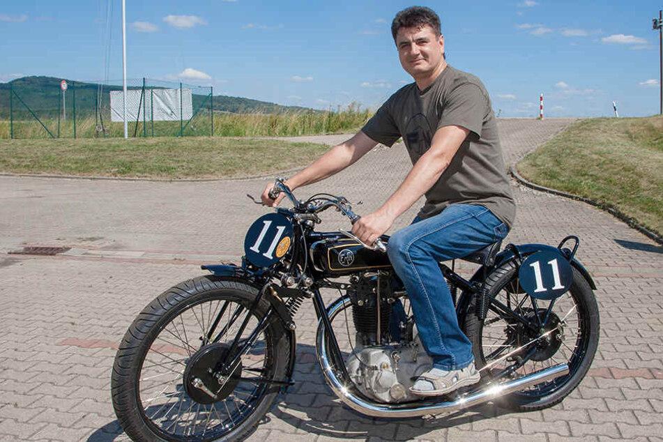 Tüftler hat Opas Motorrad von 1926 nachgebaut