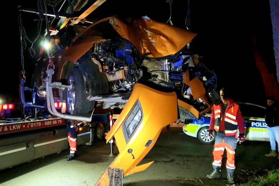 Zwei Frauen sollen bei dem Unfall schwer verletzt worden sein.