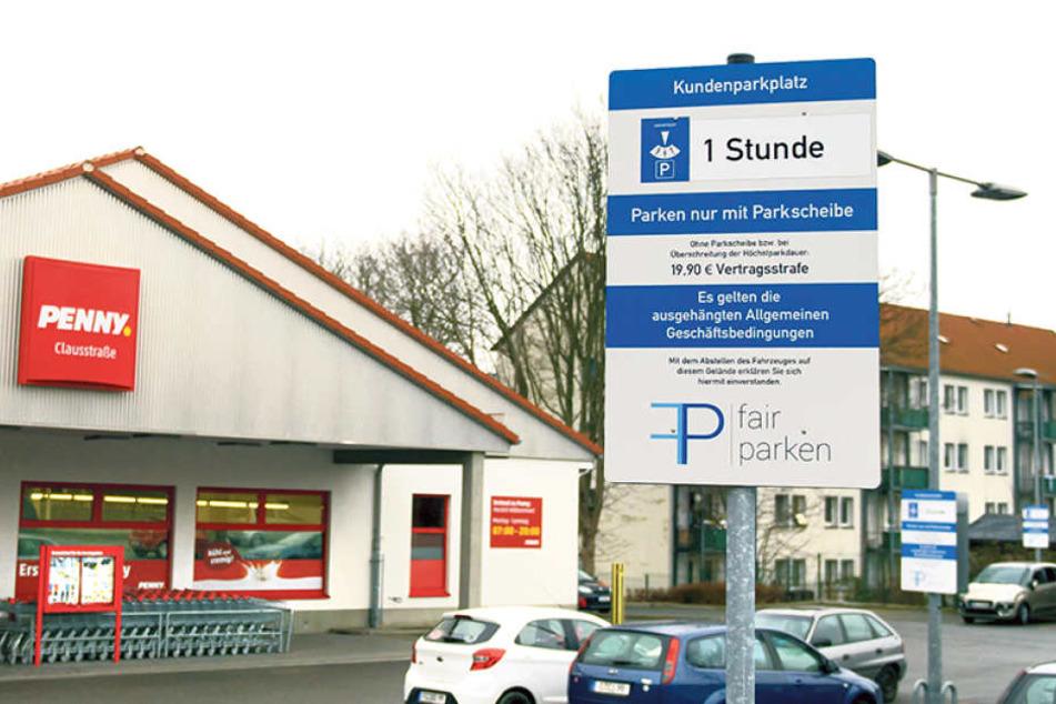 Wer bei Penny an der Clausstraße einkauft, muss sich beeilen. Wer länger als eine Stunde shoppt, zahlt 19,90 Euro drauf.