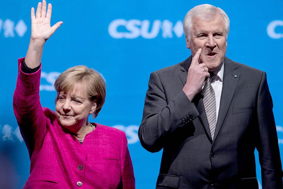 Angela Merkel (links) und Horst Seehofer (rechts).