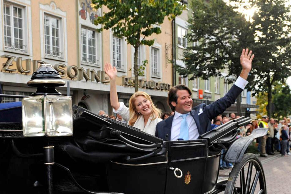 Erbprinz und Enkel der verstorbenen Christian bei seiner Hochzeit mit Frau Jeannette Catherine: Sie fuhren durch Donaueschingen.