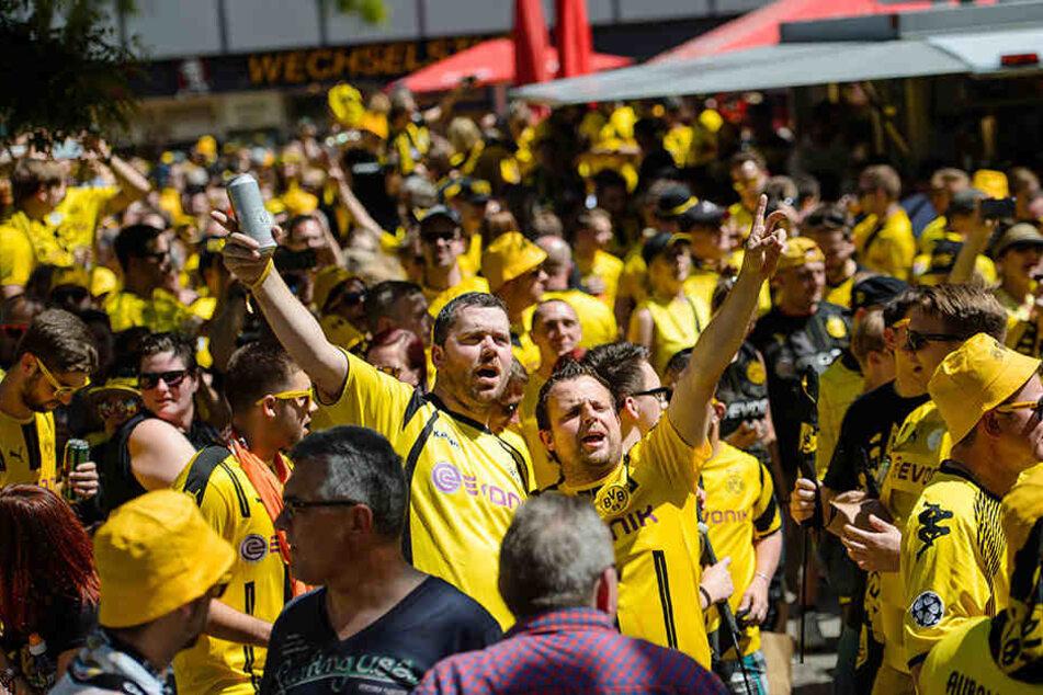 Fußball: Dortmund besiegte Titelfluch - 2:1-Sieg im Pokalfinale