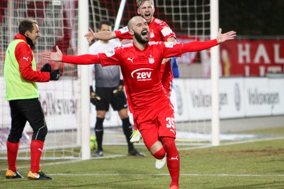 Nico Antonitsch bejubelt seinen Treffer zum 1:0.