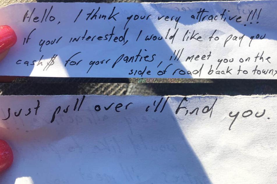 Dieser Zettel klemmt unter ihrem Scheibenwischer.