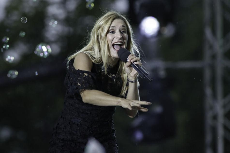 Sängerin Stefanie Hertel (40) liest in zwei Dresdner Adler-Filialen aus ihrer Biografie.