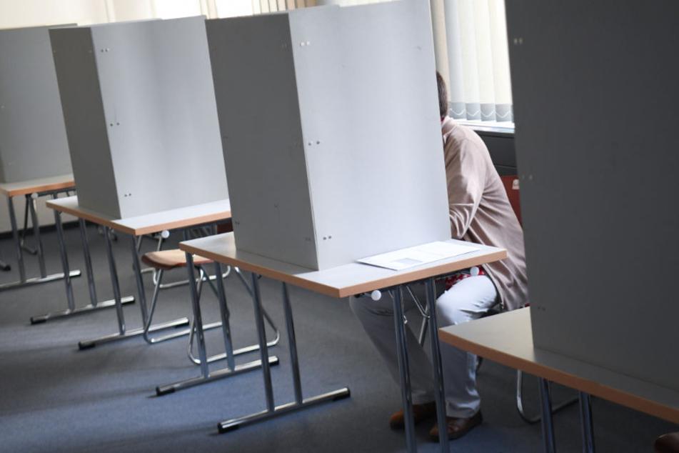 Den Gang in die Wahllokale treten immer weniger Wähler an. (Symbolbild)