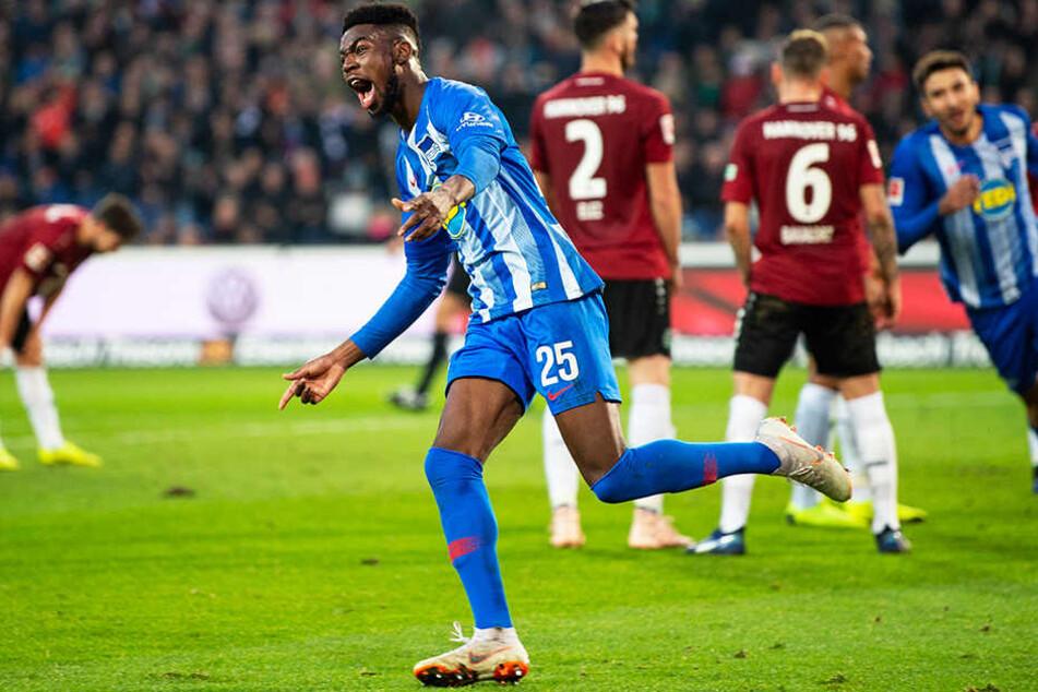 Jordan Torunarigha köpfte Hertha BSC erst in Führung und bereitete dann auch noch das 2:0 von Kapitän Vedad Ibisevic mit einer perfekten Flanke vor.