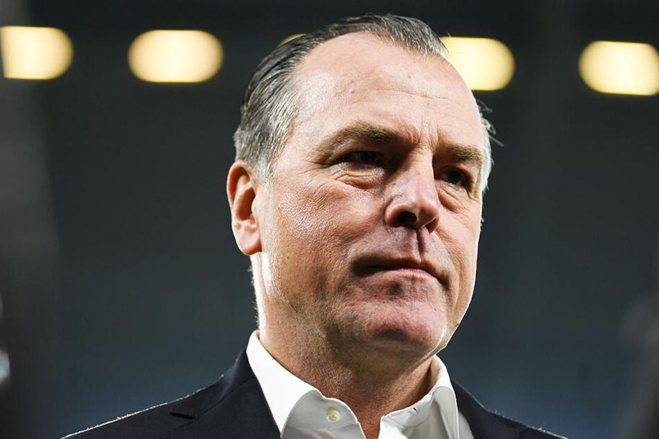 Schalkes Aufsichtsratschef Clemens Tönnies will keine übereilte Entscheidung hinsichtlich Domenico Tedesco treffen.
