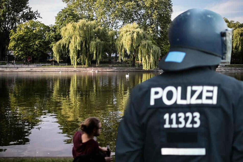 Versuchter Totschlag: Schlafender Betrunkener in Landwehrkanal geworfen