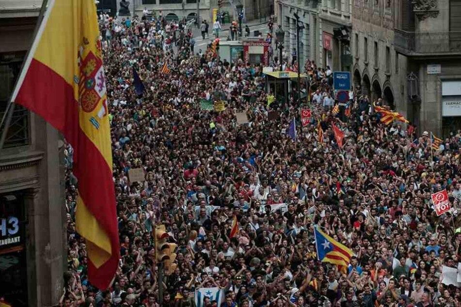 FC Barcelona schließt sich Generalstreik gegen Polizeigewalt an