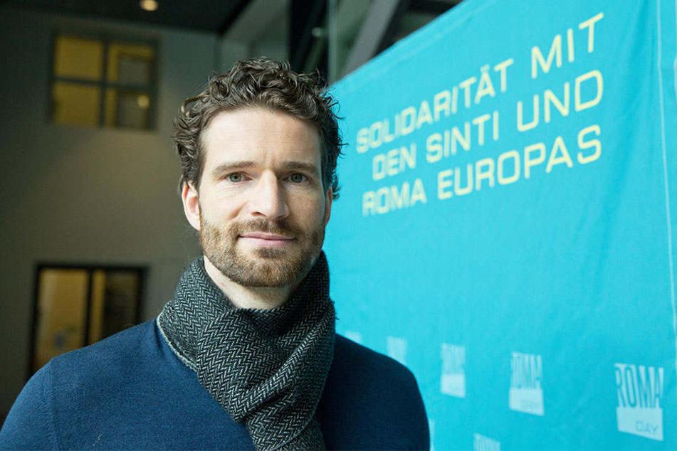 Arne Friedrich engagiert sich für Sinti und Roma in Europa.