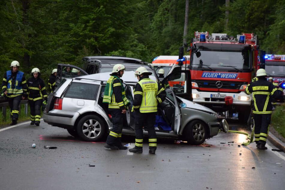 Die B317 war nach dem schweren Unfall zunächst gesperrt.