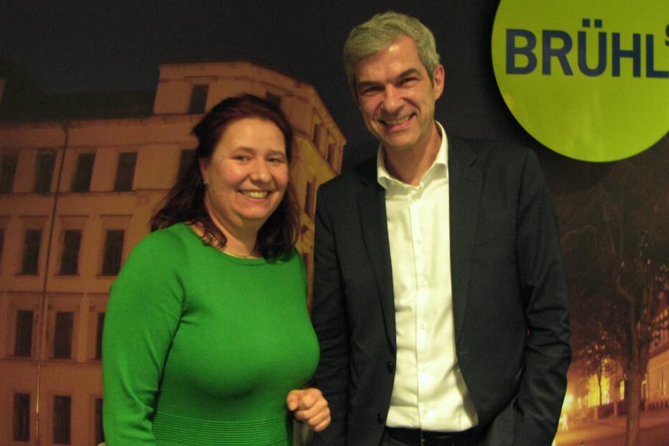 Kathleen Kuhfuß (39) stellte den grünen OB-Kandidaten Volkmar Zschocke (50) auf der Mitgliederversammlung in Chemnitz vor.