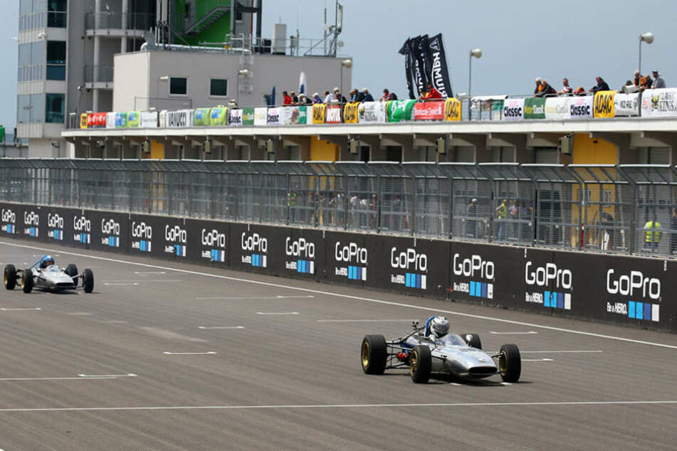 Zum 90. Geburtstag kommen die Rennsportlegenden zurück auf den  Sachsenring.