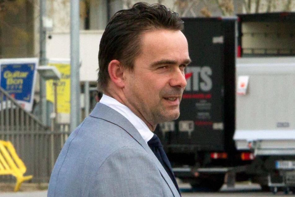 Marc Overmars, Sportdirektor von Ajax Amsterdam freut sich, dass sein Trainer bei anderen Teams gefragt ist. (Archivbild)