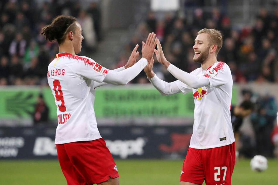 Das letzte Aufeinandertreffen in Düsseldorf gewann RB Leipzig mit 4:0. Torschützen waren zweimal Yussuf Poulsen (l.), Konrad Laimer (r.) und Ibrahima Konaté.