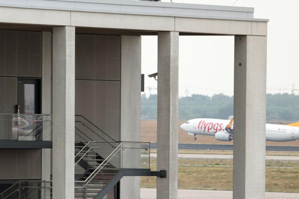 TÜV-Testläufe starten! Kann der Pannenflughafen endlich öffnen?