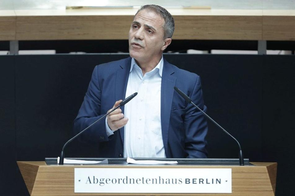Hakan Tas (Die Linke) bei einer Rede im Abgeordneten Haus (Archivbild).