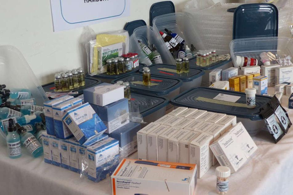 Der Zoll stellte Dopingmittel im Wert von mehr als 10.000 Euro sicher.